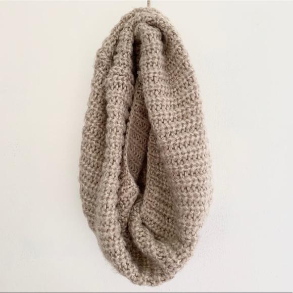 Zara - Wool-like Infinity Scarf